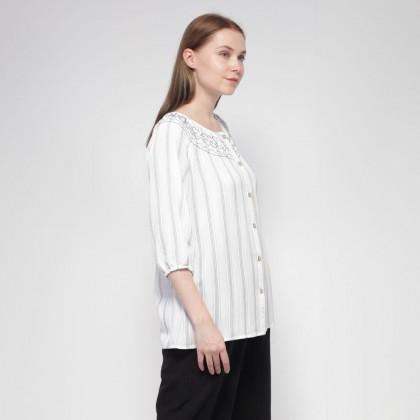 NE Double S Round Neckline With Smoke Stitch Long Sleeve Striped Blouse