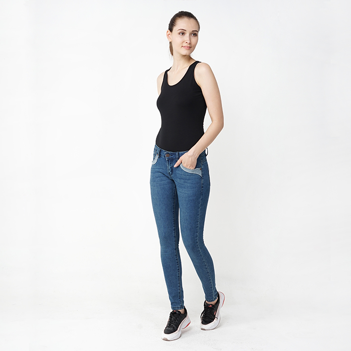 Skinny Fit Tapered Jeans